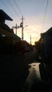 Senja di ujung jalan