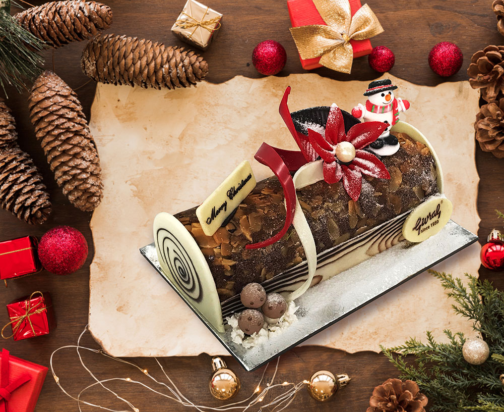 Looking for easy Christmas cake recipes, you're in the right place