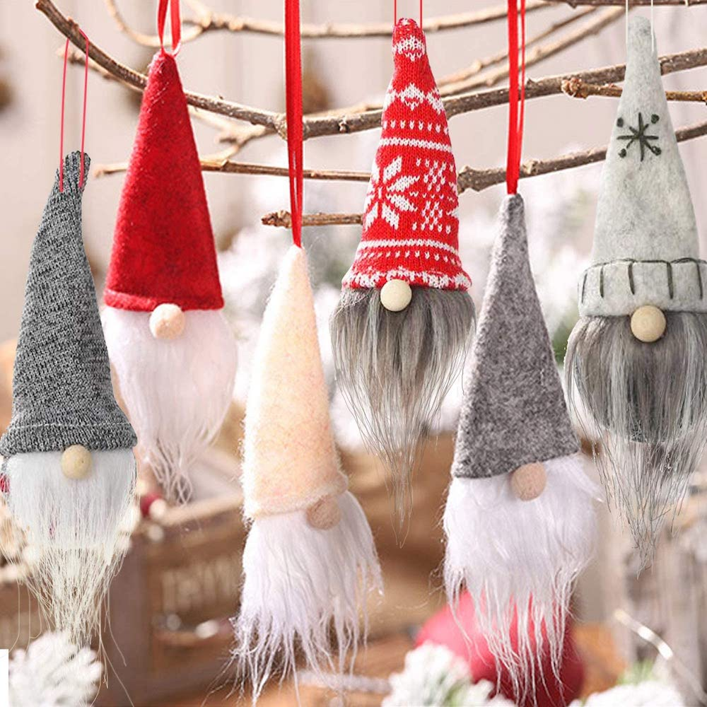 What better than making DIY Christmas ornaments with your family?