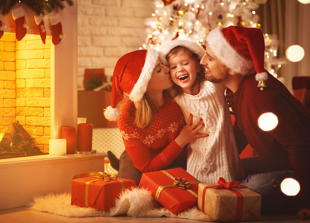 Wonderful moments are created from Christmas outdoor activities