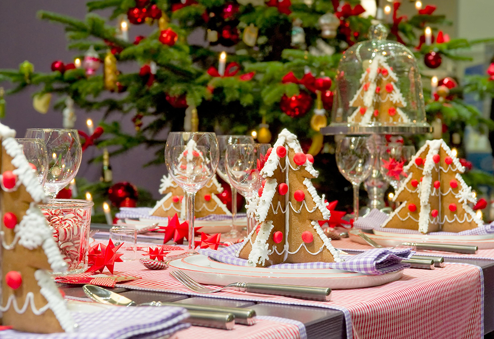 Christmas table settings will get you in the holiday mood