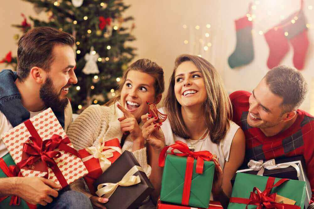 Couples-Christmas-activities-increase-your-relationship