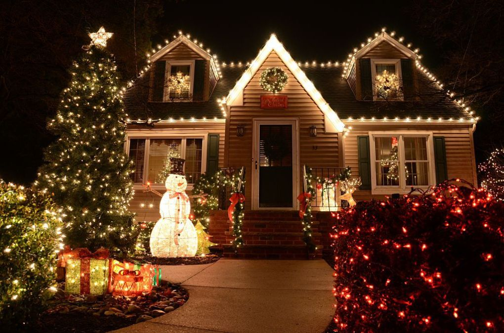Decorate the house on Christmas