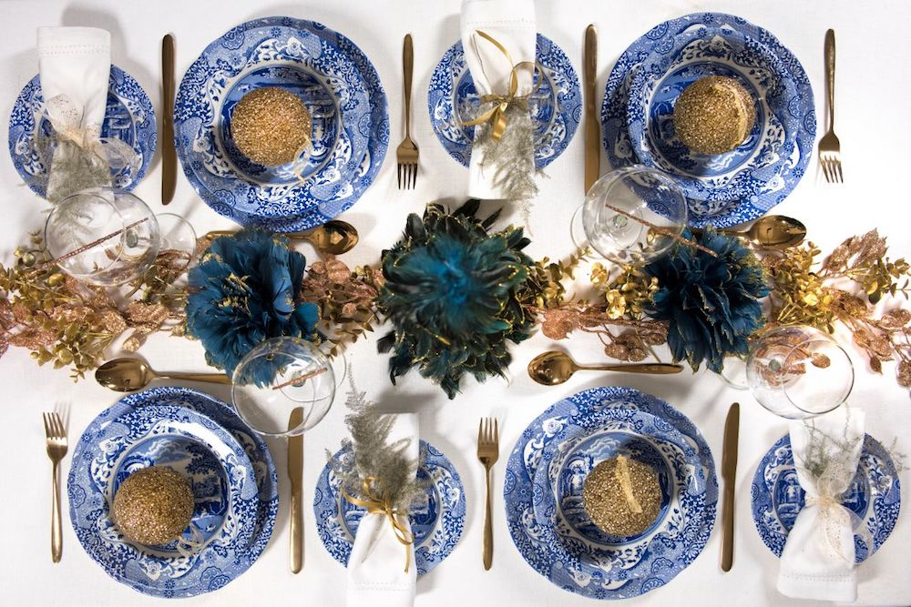 Christmas table settings will amaze you and your guests as well