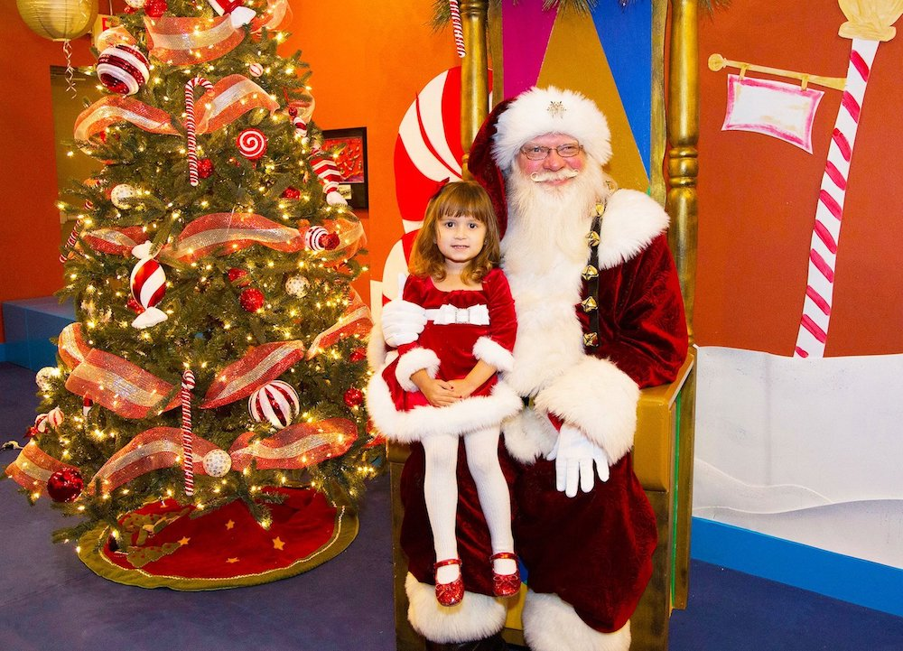 When-it-comes-to-Christmas-outdoor-activities-taking-a-photo-with-Santa-is-always-on-the-first-list-for-kids