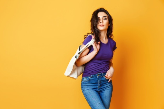 Discover-Which-T-shirt-Is-Best-For-Blue-Jeans-