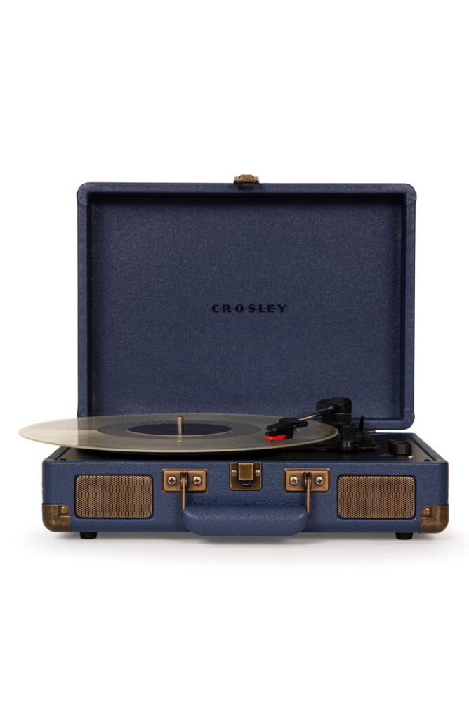 Cruiser-Deluxe-Turntable-Great-Fathers-Day-gifts-for-grandpa