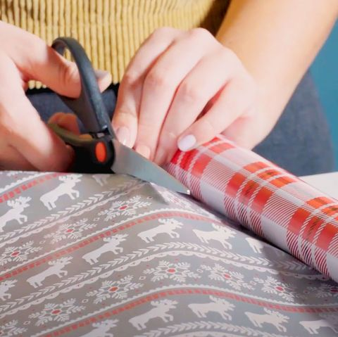 How-to-wrap-a-shirt-Cut-the-wrapping-paper