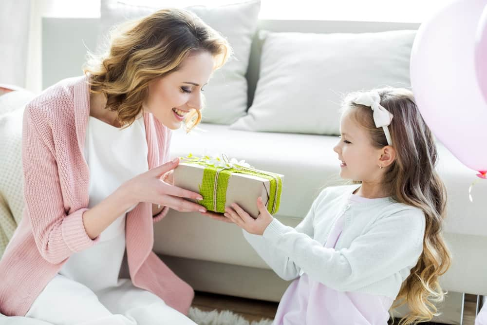 thoughtful gifts for mom at every price