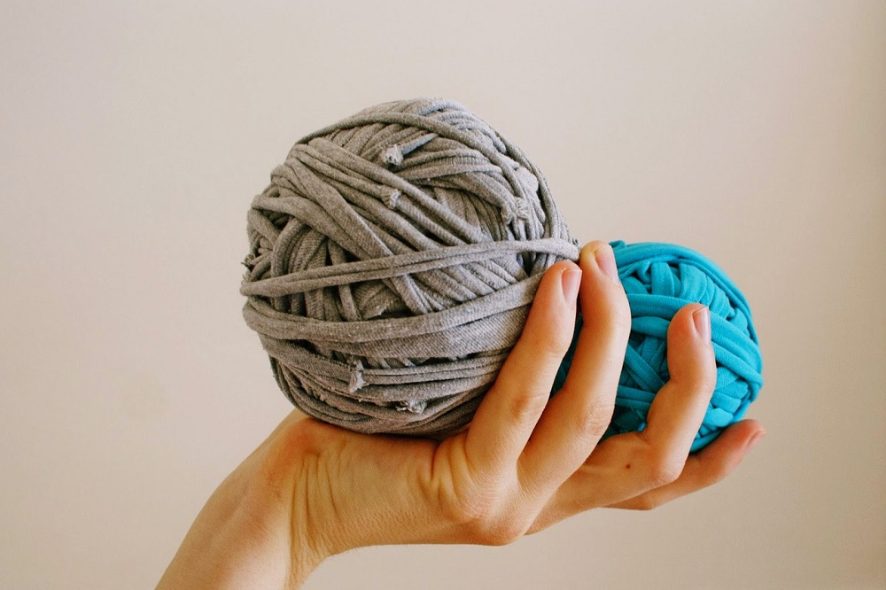 Great guide on how to make tshirt yarn
