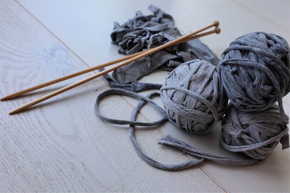 How to make tshirt yarn from old tshirts