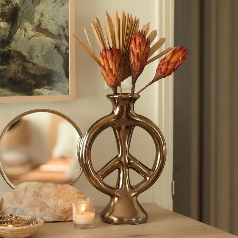 What is a good gift for parents- Peace Vase by Justina Blakeney