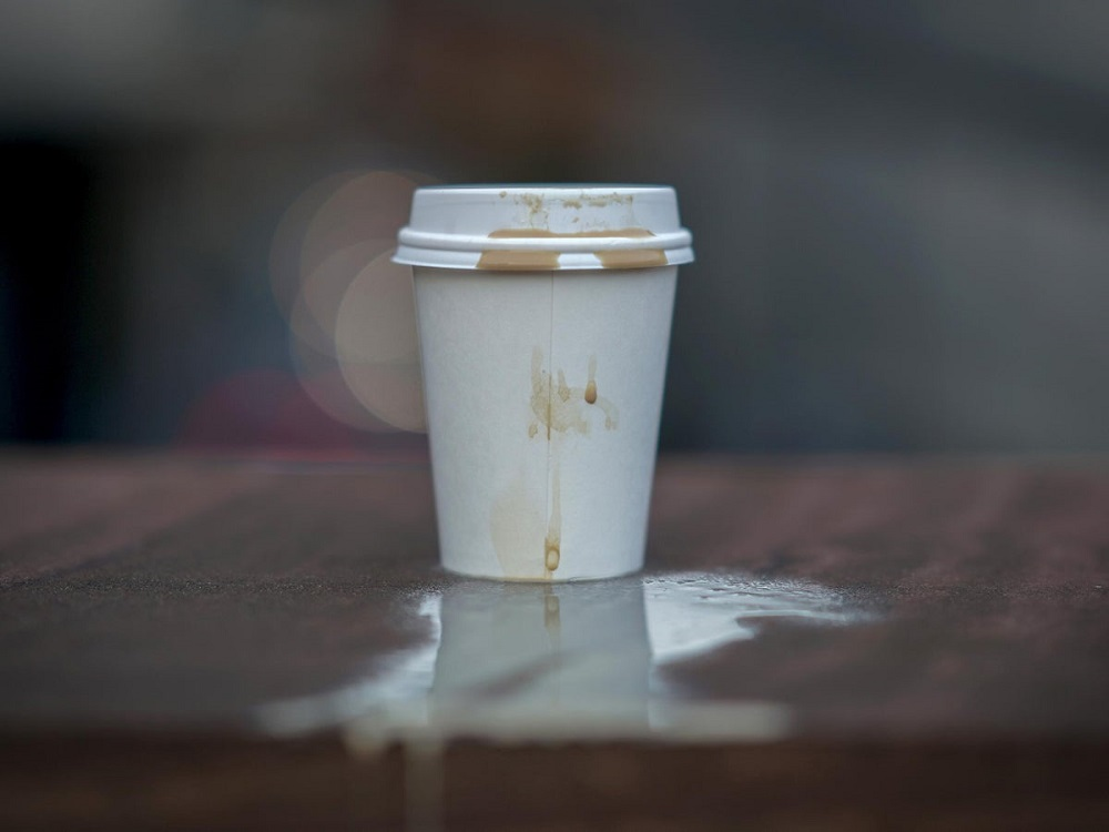 How to get tea stains out of mug-plastic cups