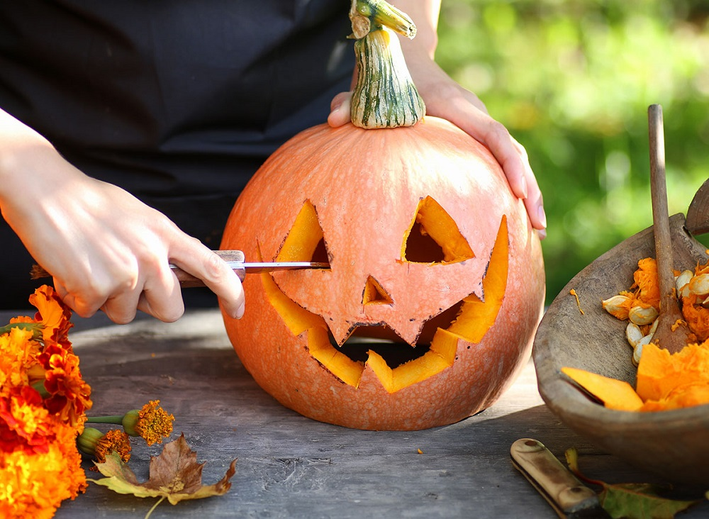 Carving pumpkin - a part of how do we celebrate Halloween in Germany