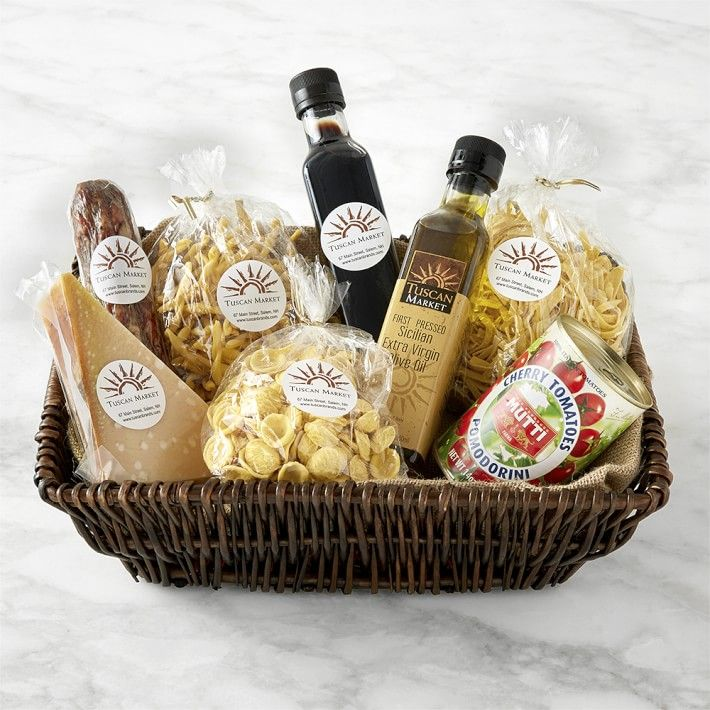 Best of Italy Gift Basket- best hostess gifts for Thanksgiving