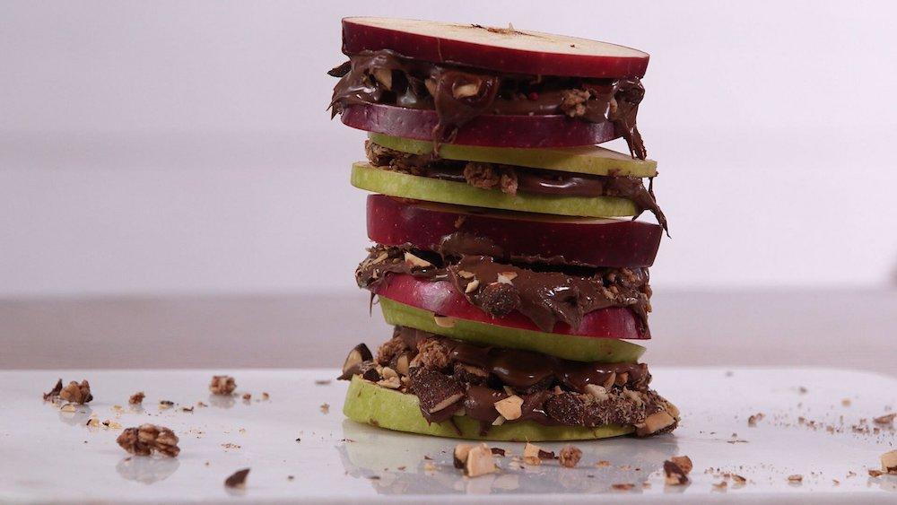 Chocolate Hazelnut Apple Sandwiches- best chocolate Thanksgiving desserts