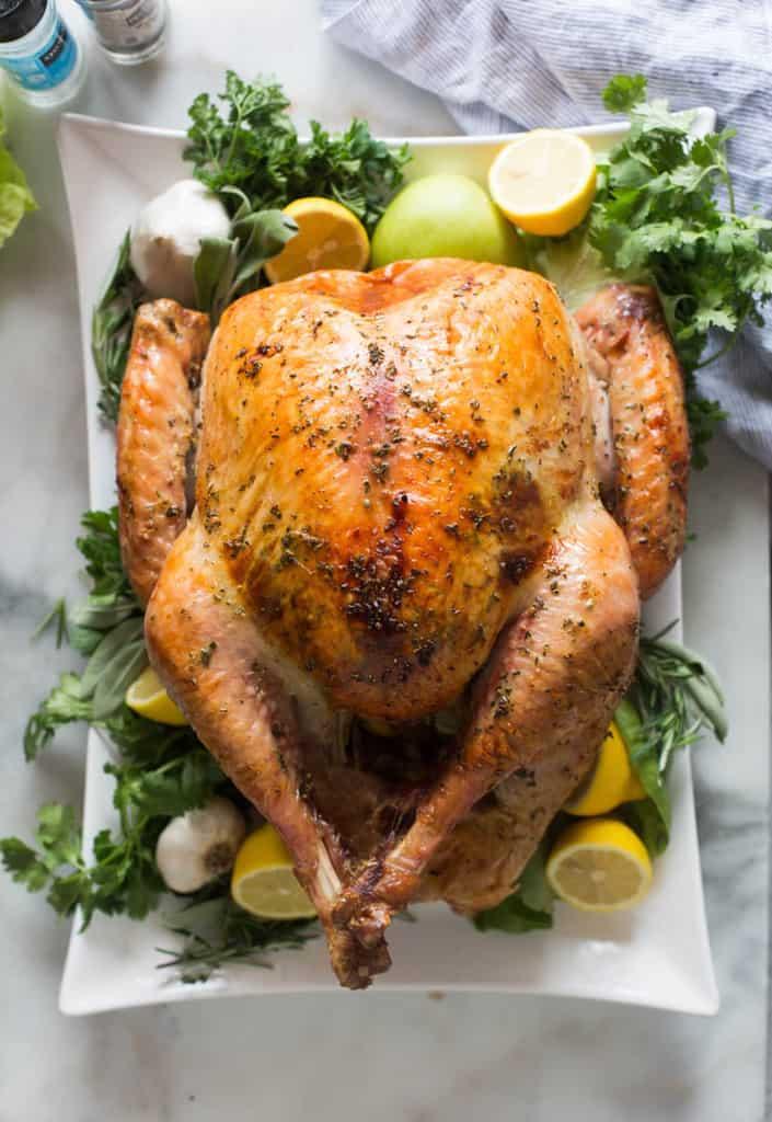 Easy, no-fuss Thanksgiving turkey- best roast turkey recipe for Thanksgiving.jpeg