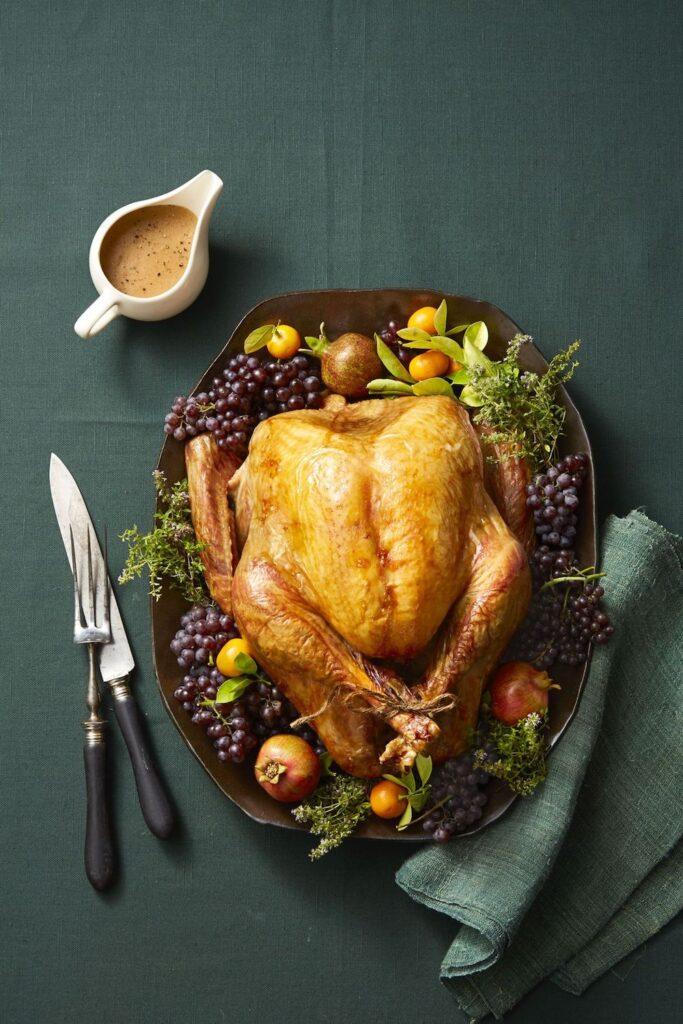 Make-Ahead Turkey Gravy- cool food ideas for Thanksgiving