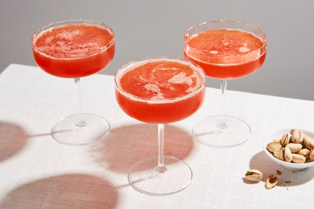 Paper Plane Cocktail- classic Thanksgiving drinks