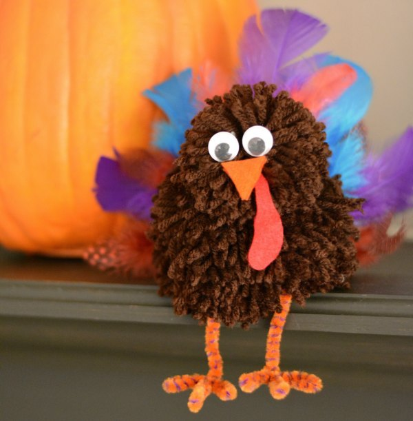 Pom-Pom Turkey Craft- great Thanksgiving crafts for young children