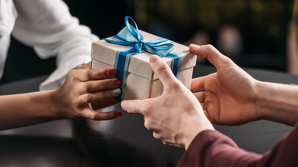 Thanksgiving gift ideas for employees