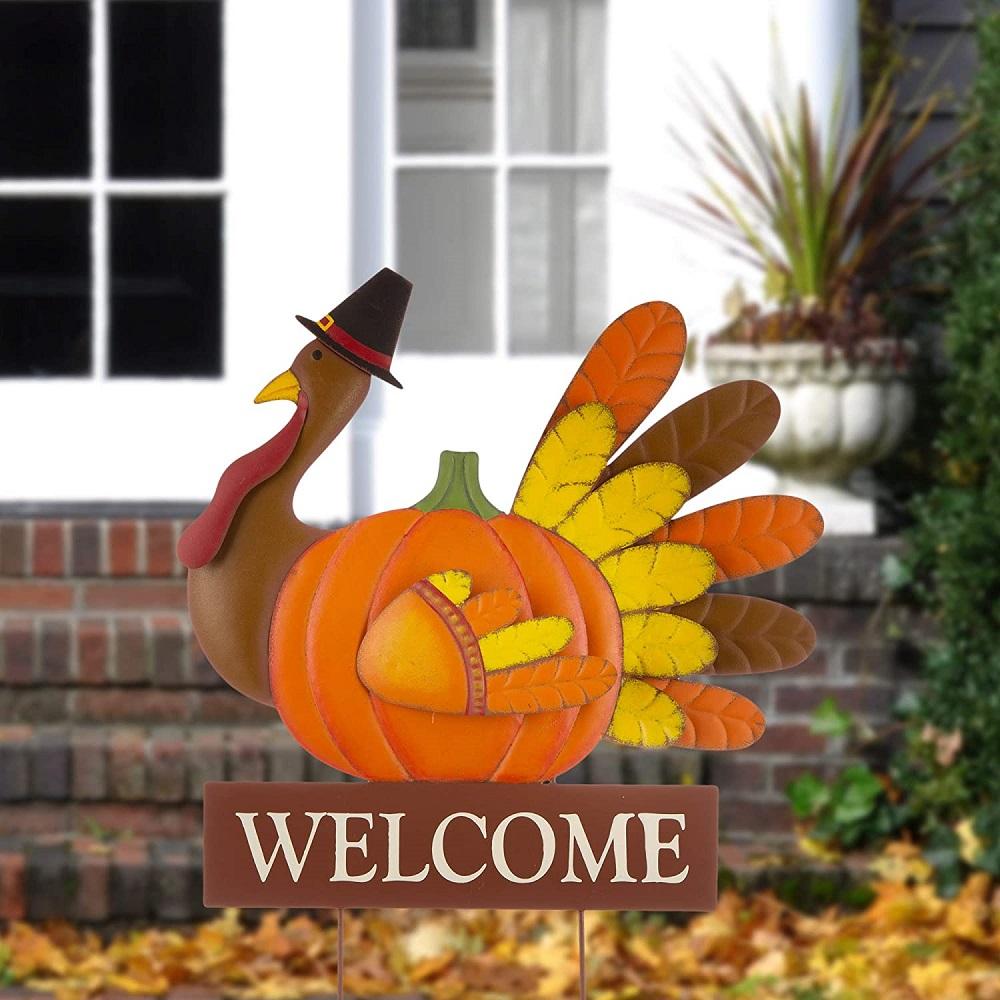 Great Thanksgiving yard decoration