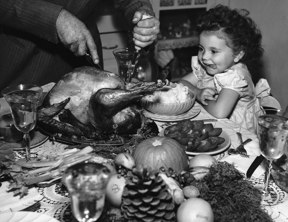 why do people eat turkey on Thanksgiving