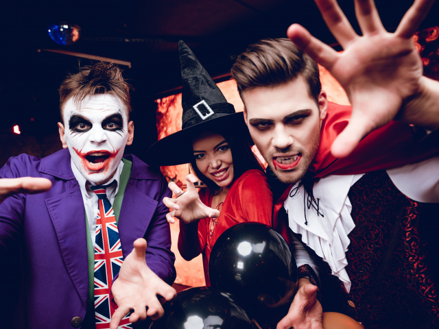 What to do on Halloween as a teenager- Halloween costume