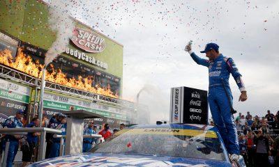 Larson Claims Championship 4 Berth in Texas Triumph