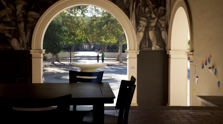 One table with chairs in an outdoor area of Frary Dining Hall