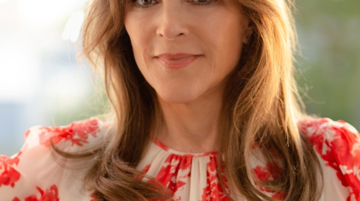 Marianne Williamson, a former Pomona student and Democratic primary candidate