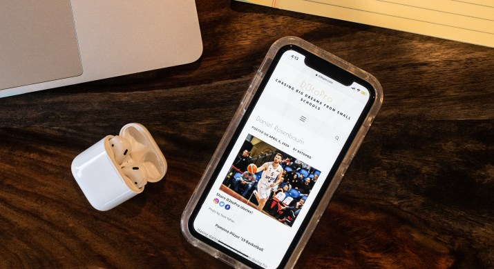 An iPhone open to the D3toPro podcast website.