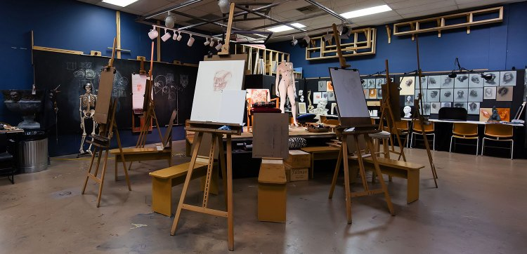 The Society of Figurative Arts studio space.