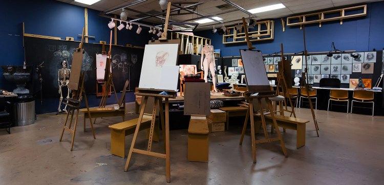 The Society of Figurative Arts studio space.
