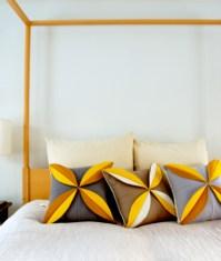 felt-flower-pillows