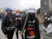 Οι ηρωίδες Ρωσίδες-γυναίκες του Ντόνετσκ στα οδοφράγματα…