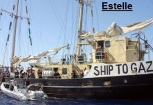 Ένοπλοι Εβραίοι του πολεμικού ναυτικού, επιτέθηκαν και συνέλαβαν το σκάφος Estelle που πήγαινε εφόδια στη Γάζα.