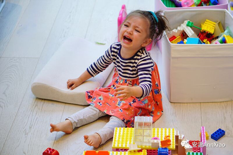 Tackling tantrums              面对崩溃哭闹的宝宝,            如何安抚却不妥协?
