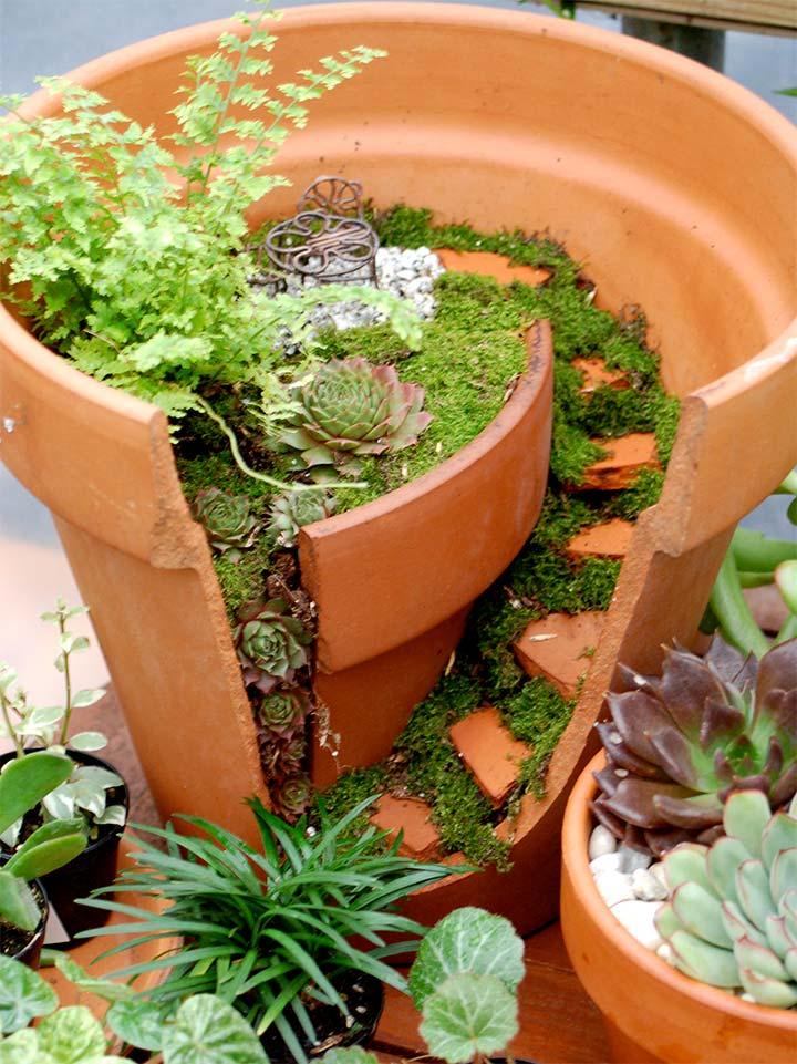 割れてしまった植木鉢の再利用方法1