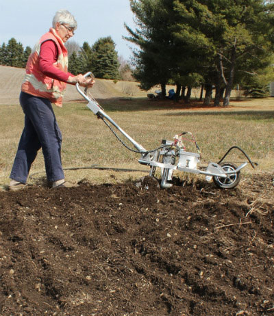 女性のための農機具開発