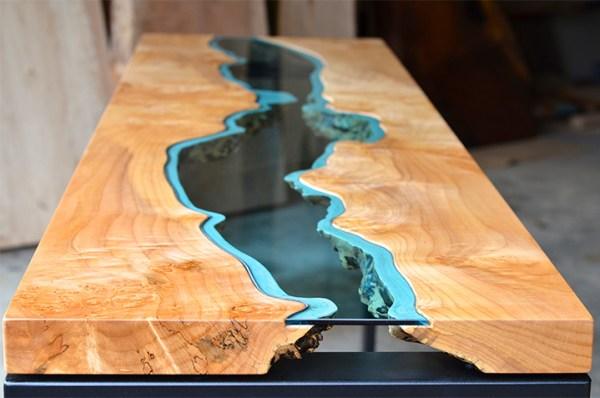 川が流れるテーブル