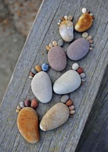 3歳からできるDIY!小石を使ったロックフィートが可愛過ぎる!