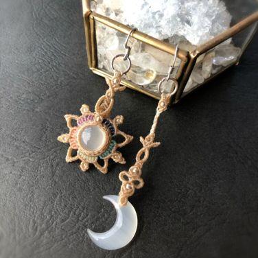 花に月の明かりピアス