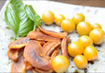 セミドライ柿とストロベリートマト