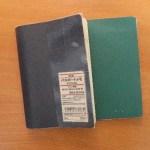 ワイシャツの胸ポケットに収まる無印良品の「パスポートメモ」が使いやすい!!