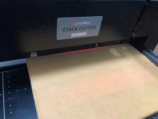書籍電子化裁断機200DX レーザーガイド付き