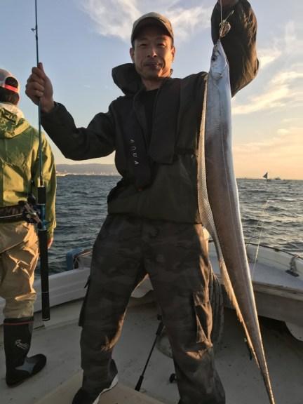 10月7日(月)の釣果(タチウオ113cm含む船中115匹)