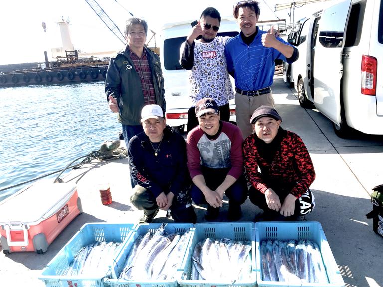 10月26日(月)の釣果(タチウオ船中173匹)