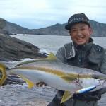 【釣り百景】#274 対馬ロックショアゲーム 大型回遊魚を捕獲せよ!|松岡豪之 /鈴木斉
