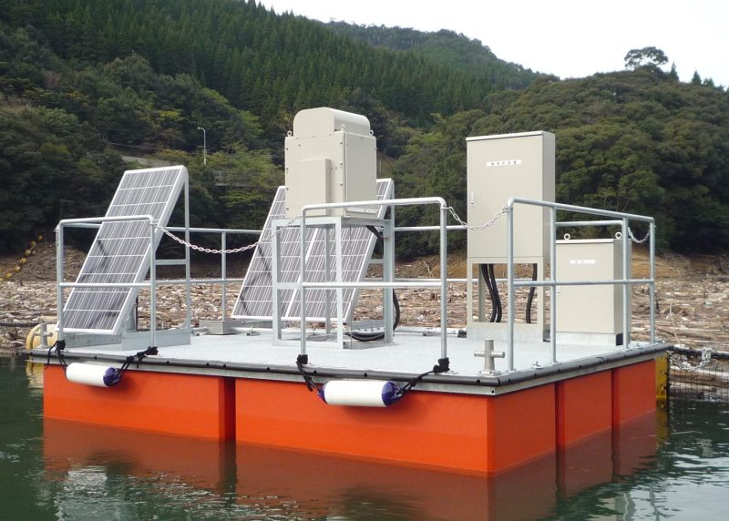 Solar cell (DC) float installation in a reservoir